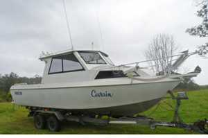 <p> 24 1/2' Aluminium Offshore Game Boat, half cabin, 4 cyl, 150 hp, Volvo, turbo diesel, only...