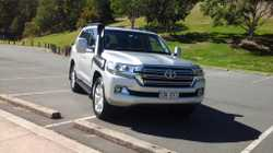 2016, Silver, VX, turbo diesel, 30,000kms, dual batteries, leather electric seats many extr...