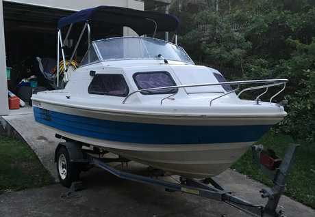 <p> <strong>MUSTANG 4.8M Half Cabin </strong> </p> <p> Old Boat, new full storm covers, canopy...</p>