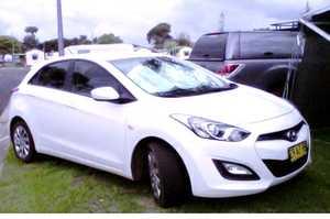 <p> HYUNDAI i30 Hatch Sedan 2012, </p> <p> auto, one owner, 53,000 genuine kms, excel. condition...</p>