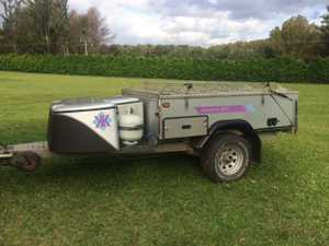 Off road camper in excellent condition complete with full annexe plus many more extras.