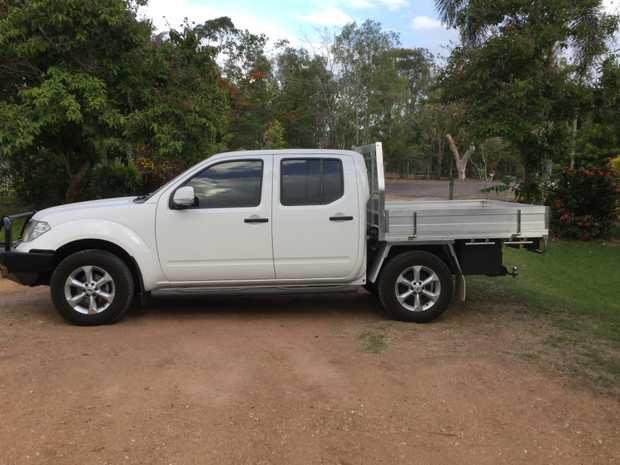 Nissan Navara ST 2014 4WD dual cab, Diesel, 25,000 kms, Alum tray body, Water tank, sat nav, Reve...
