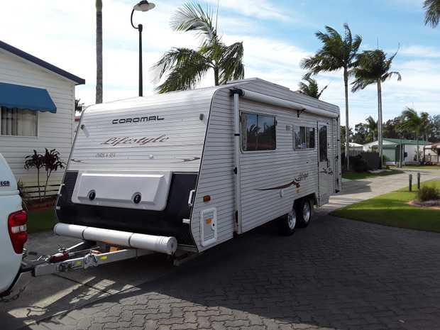Coromal Lifestyle 638 21ft    2009 Model, Rego Till Dec 18.  Full annexe & shade...