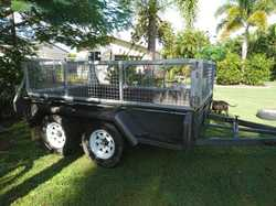 Electric Brakes, Cage 600mm, Swing Jockey, 50mm Coupling, Excellent Condition. Phone 0408833059