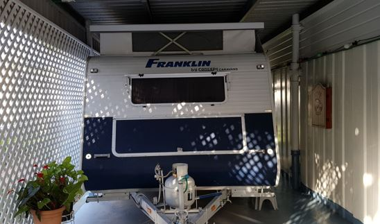 Pop-Top Van Franklin 2007 17 ft, Rego to 6/3/2019 Roll -out awning, 2x side shade walls. Air/con,...