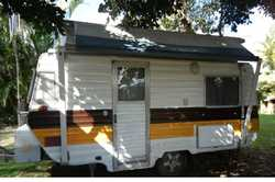Viscount Grand Tourer 1981, 14' van poptop, TV, m/wave, solar panels 12v, 240/gas, R/O awn...