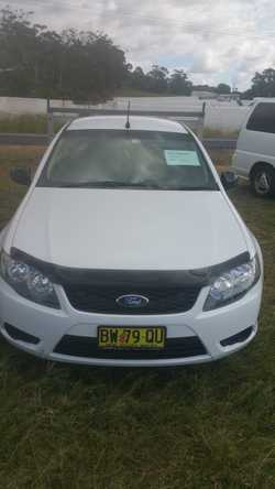 11 moths Rego, Automatic, Factory fitted gas, White duco, Black upholstery, 170000 Kms tinted window...