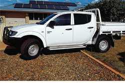 TRITON Mitsubishi 2012,  4x4,  5spd man,  2.5 turbo diesel,  a/c  p...