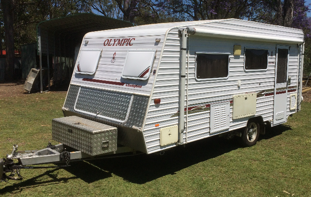 "2009 17'6"" long, single beds. Comb Shower/Toilet, Lge Kitchen, Gas/Electric Cook T..."