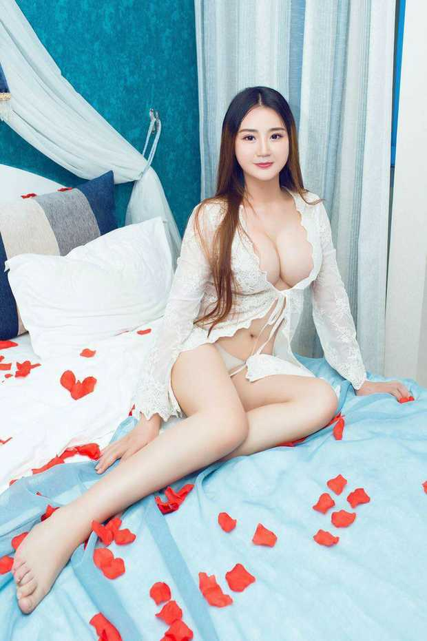 AMY BRISBANE CITY     Chinese  24  Busty  24/7  In/outcalls