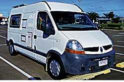 2008 RENAULT Auto, T/diesel 178,000 kms, cruise, P/S, A/C, 80L fridge 12v/240, sink, cooker, plen...