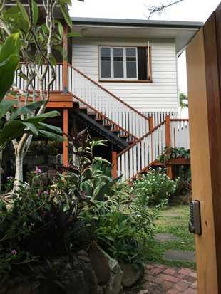 3 bedroom renovated Queenslander in quiet friendly neighbourhood, Caravonica. Suitable for family...