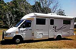 MUST SELL!!! Mercedes 413 CDI Winnebago Freewind, 2 dble beds, sep show/toil, 2 rev cams, all ext...