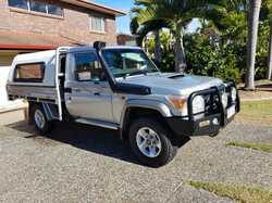 TOYOTA LANDCRUISER GXL 2014 Excellent condition 110,000kms 11mths rego, Many extras $68,000 Phone...