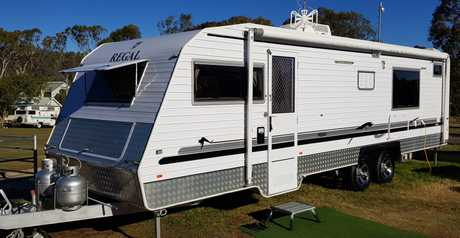 <p> 2014 Regal RSV 27ft Double axle custom coach. Ensuite (never been used), shower, aircon...