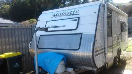 <p> Semi-Offroad, 15.8ft, easy towing, 15' wheels, single axle, raised heavy duty chasis and...