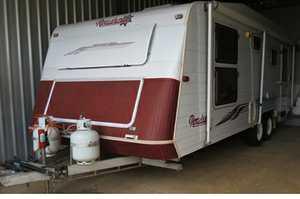 "<p> ROADSTAR Caravan 2003, 21"", 2-way fridge, 2 batteries, toilet & shower, dbl bed, full..."