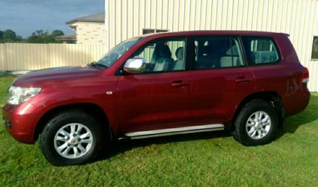 LAND CRUISER 200 DIESEL 2008 One Owner Log books, tow pack, electric brake controller, sheep skin...