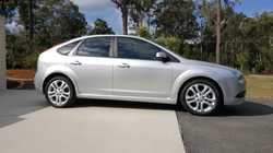 Hatch, 1 owner 49,000 kms. Service history. 2lt 5 speed manual. Leather seats. Rego to Nov &...