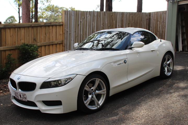 BMW Z4   2.0i 2011 Excellent condition, Rare 6 sp man   twin turbo M Sport pkg.   Log...