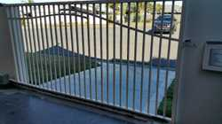 Gate with Track and no motor - it was a replaced for a larger gate. all in good condition fits 3.4m...