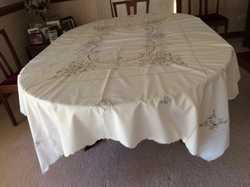 Tablecloth and 12 matching napkins, as new, embroidered cotton, ecru colour, rectangular 160cm x 210...