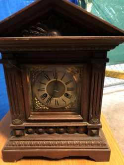 Late 1800 German clock   working order $400   Ph: 0408 278 906