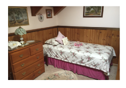 2 Bed Ens, 2 Beds, Bedheads.  Incl Bedding,B'Sprds & Valances