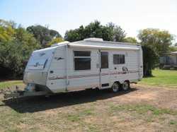2004   20'6' Millard Endeavour series II family van,   queen bed + Dble bunks...