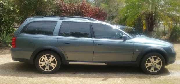 Rego till 2/18, Holden Adventra LX6 Crosstrac AWD Rego till 2/19,   187,000kms, 5 spd a...