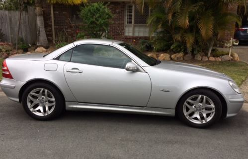 MERCEDES BENZ SLK320 - 2004   2 door convertible, special edition, 76,00klms In absolute imma...