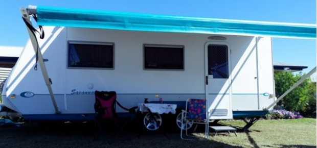 21ft, one owner, full van,  Shower, toilet,  Fridge, M/W, convection oven,  TV...