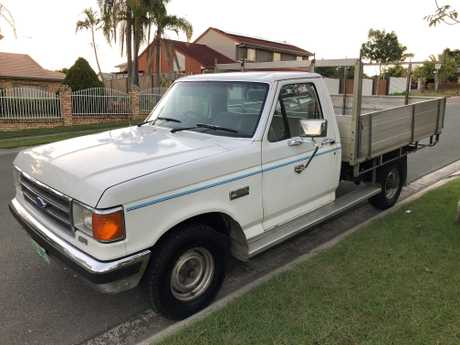 <p> 5.0L, 5 speed 4x2, with F250 rear end. Always maintained, Reg & RWC. </p>