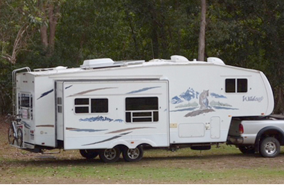 30ft 5th WHEELER Caravan $49,500, 9 months rego & RWC, sngle slide-out & loads of extras,...
