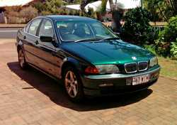 BMW 321i 1998 240,000 kms, registered, leather upholstery, metallic green VGC, $2500. Phone (07)...