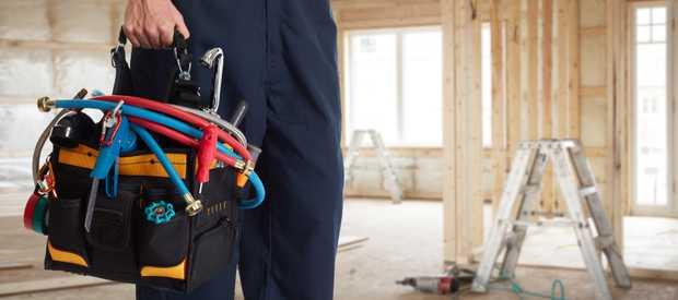 CARPENTER   Covering all aspects of carpentry, doors, internal fixout, Maintenance   Insu...