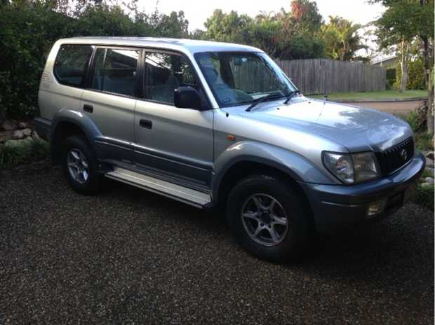 Diesel, Silver Colour, 301300 km, one owner.   Many extras incl. towbar, second battery,...
