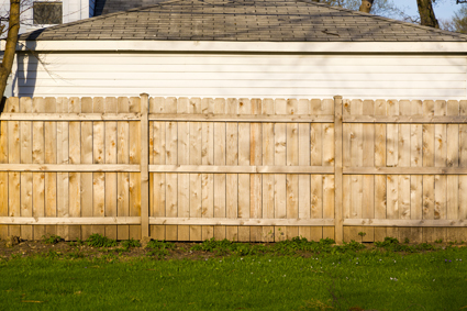 QUALITY FENCING   6 Reasons to choose ME   G'teed Start Date   Refs Avail   Q...