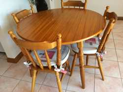 Dining suite, 5pce., round table 105cm, 4 chairs w/ cushions, maple.  Exc. cond.