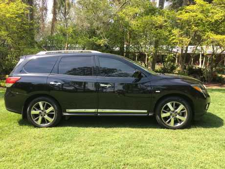<p> Nissan Pathfinder Ti 2013 </p> <p> Immaculate condition. 7 Seater. </p> <p> Auto - 2wd.</p>