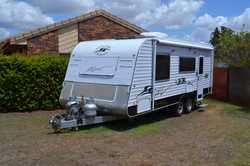 22ft The Henley, Queen bed, full ensuite, front load washing machine, NEW AWNING, full annex, TV, ai...