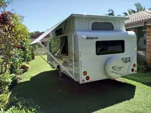 Jayco pop top 2012 centre bed r.c.aircon hardly used