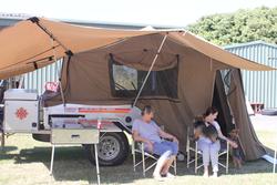 KIMBERLEY KAMPER Excellent Condition Fridge-Freezer, Solar Blanket & Regulator, Internal Lights...