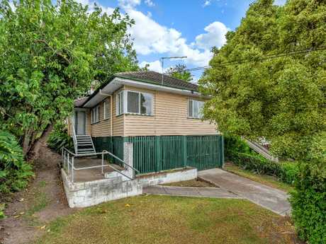 <p> <strong>71 Chataway Street</strong> </p> <p> Land Size 690m2 </p> <p> Offers above...</p>