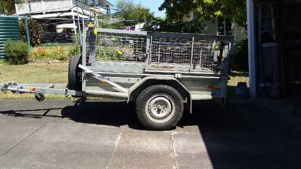 PBL Trailer Good condition Complete with canopy No rust Rego $1950 ONO Phone