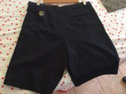 3 Navy shorts, size 82. 0401133477