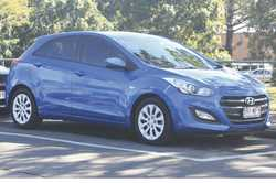 2015 Hyundai, i30 Active hatch back, 4 cylinder, 27,500klm, reg'd 2/2019 blue, t/bar, exc c...