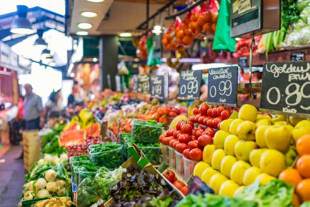 2 people required for Bread Stall & Fruit & Vegie Stall for Saturday Markets.   Orang...