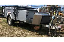 Full off road with R/C- Airconditioning. Full annex with ensuite. HWS, Boat Loader, Fridge...