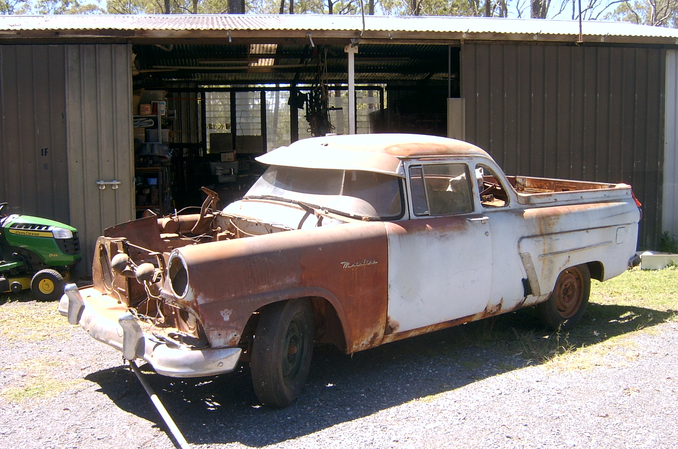 Ford mainline 1956 272 Yblock Manual Body and chassis sandblasted and epoxy sprayed. Some rust re...
